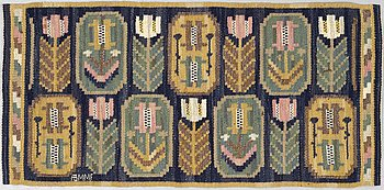 """MÄRTA MÅÅS-FJETTERSTRÖM, VÄVNAD, """"Medaljongerna"""", rölakan, ca 40,2 x 84 cm, signerad AB MMF."""