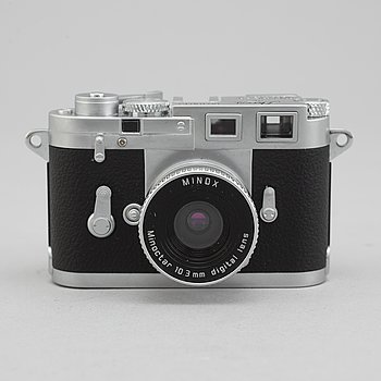 Digital Classic Camera Leica M3, Minox.
