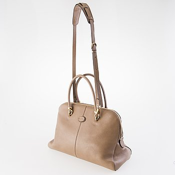 Tod's Leather Sella Bag.
