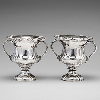 230. A pair of Russian 19th century silver champagne coolers, mark of Carl Johann Tegelsten, St. Petersburg 1842.