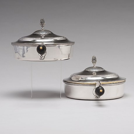 A pair of swedish 18th century parcel-gilt dishes and cover, mark of pehr zethelius, stockholm 1795.