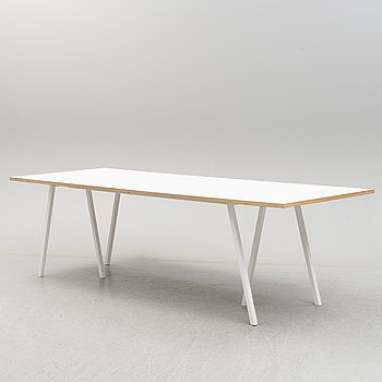 "LEIF JORGENSEN, bord, ""Loop Stand Table"", HAY, 2000-tal."
