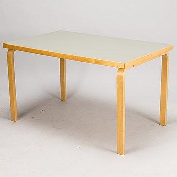 """ALVAR AALTO, pöytä, """"82"""", Artek 1900-luvun puoliväli."""