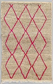 MATTA, Marocko, ca 162 x 106 cm.
