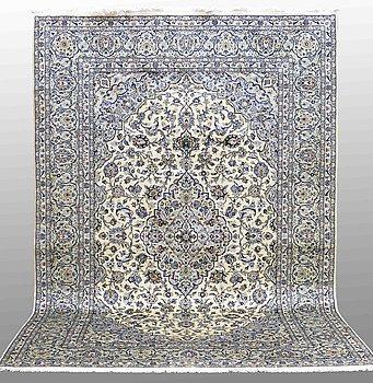 MATTA, Keshan, ca 360 x 246 cm.