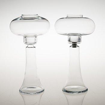 """NANNY STILL, LJUSSTAKAR, 2 st, glas, """"Majakka"""" (Fyr), Riihimäen Lasi. Modellen formgiven 1973."""