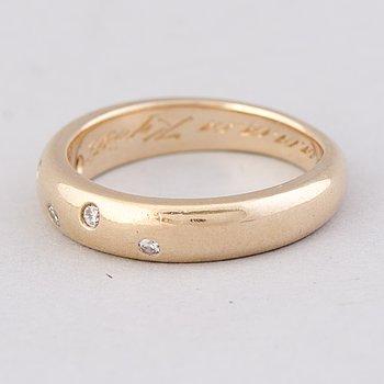 A RING, brilliant cut diamonds, 14K gold.