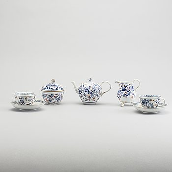 A 5 pieces Meissen porcelain service early 19th century.