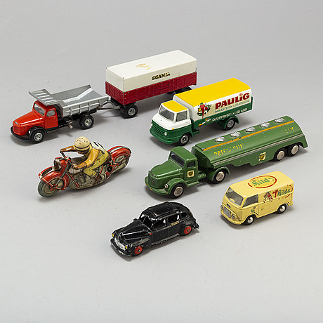 A total of 7 parts of tin cars, motorcycle and trailer Tekno