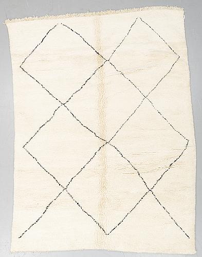 A marockan carpet. circa 293 x 223 cm.