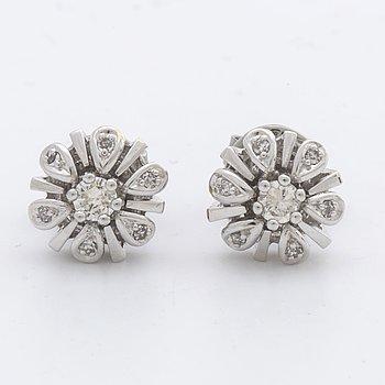 EARRINGS 18K whitegold w 2 brilliant-cut diamonds and single-cut diamonds approx 0,20 ct in total.