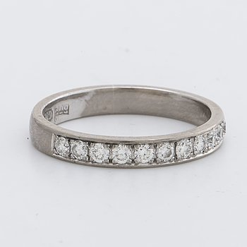 ETERNITY BAN 11 brilliant-cut diamonds approx 0,40 ct.