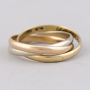 A RING, 18K gold in three colours. Italy.