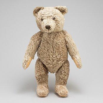 a Steiff teddybear, Germany around the middle of the 20th century.