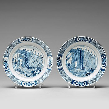 651. A pair of blue and white Rotterdam plates, Qing dynasty, Kangxi (1662-1722).