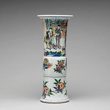 573. A Transitional wucai Gu-shaped beaker vase, 17th Century.