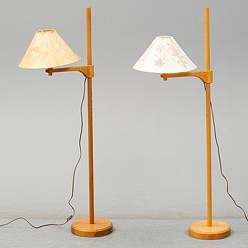 """CARL MALMSTEN, golvlampor, 2 st, """"Staken"""", 1900-talets andra hälft."""