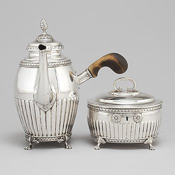 A silver coffeepot and similar sugarbox, GAB and K Andersson, 1908 and 1920.