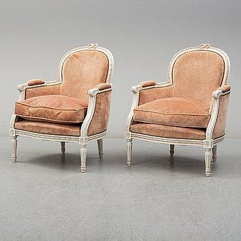 KARMSTOLAR, ett par, Louis XVI-stil, 1900-talets slut.