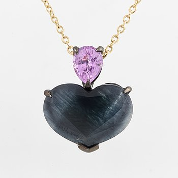 NECKLACE, heart shaped sapphire and pink sapphire pendant.