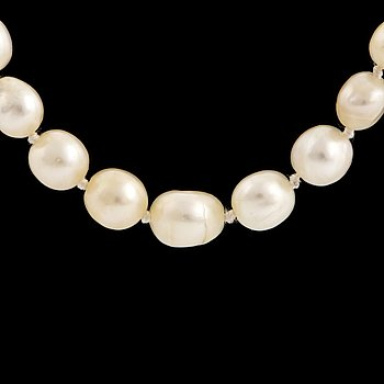 Cultured pearl necklace, 9K gold clasp with rose-cut diamonds and drilled pearl.