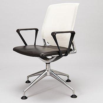 """ALBERTO MEDA, KONTORSSTOL, """"Meda Conference chair"""" för Vitra. Modellen formgiven 1998."""