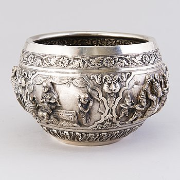 SKÅL, silver, Indien/Burma, kring 1900. Vikt 852 g.