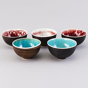 FRIEDL HOLZER-KJELLBERG, a set of five ceramic bowls, signed F.H.Kj. Arabia.