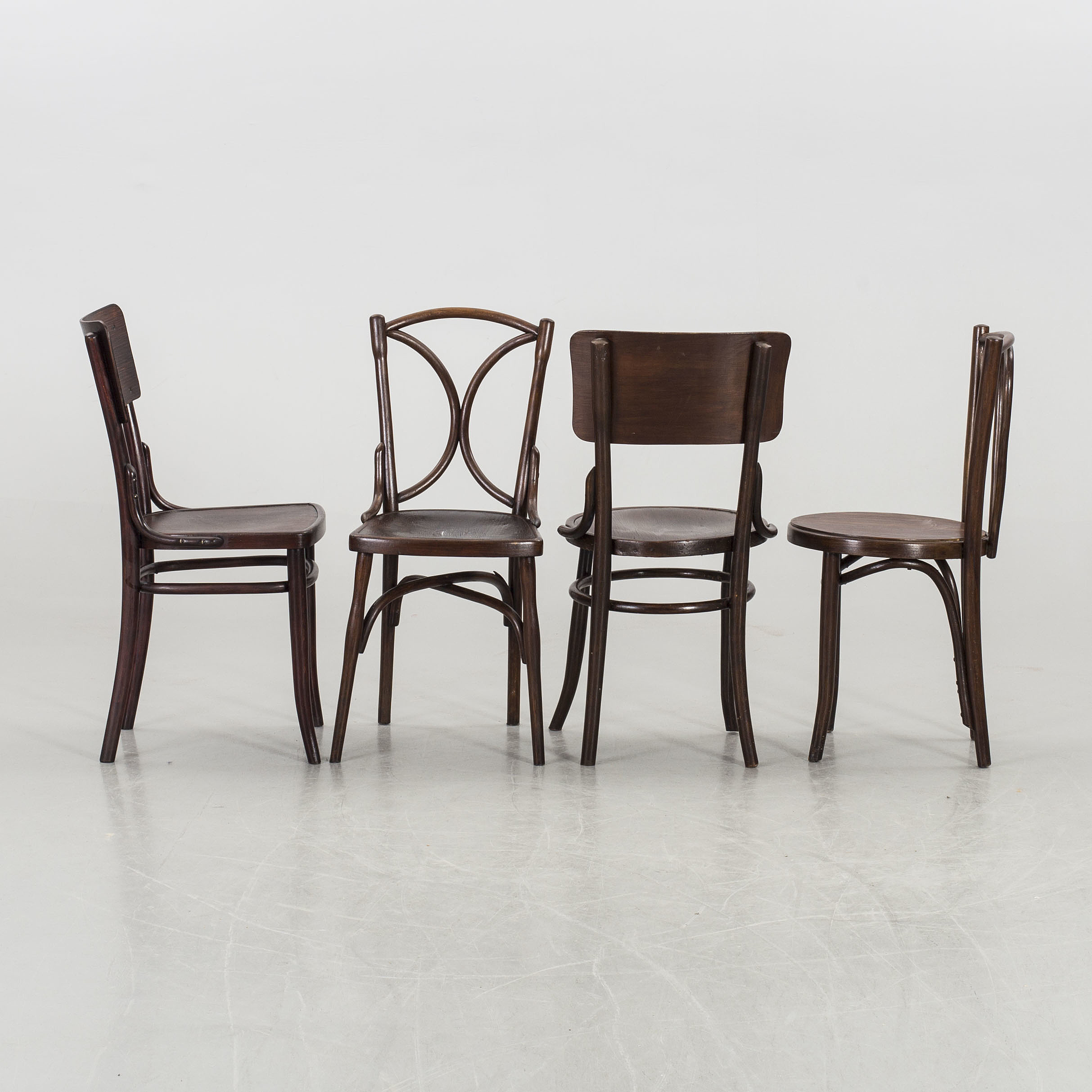 Ten Thonet chairs, first half of the 20th century  - Bukowskis