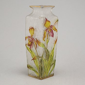 An early 20th century glass vase, possibly Baccarat, France, early 1900's.