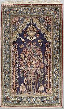 MATTA, Old Ghom, part silk, ca 262 x 160 cm.