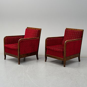 A pair of 1930s/1940s easy chairs.