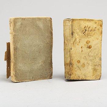 BÖCKER, 2 volymer. Kokbok, 1684 och landt-hushållning 1757.