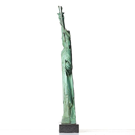 "Fernandez arman, ""slices of liberty""."