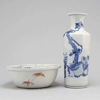 A 19th century vase and bowl, porcelain, China.