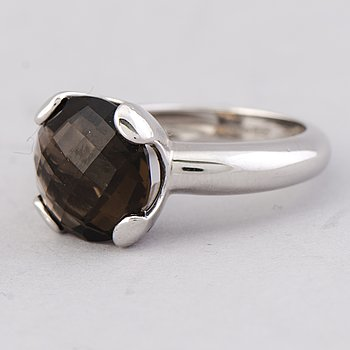 A RING, facetted smoky quartz, 18K white gold. LeGi jewellery, Italy.