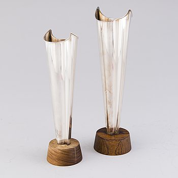 "TAPIO WIRKKALA, VASER, 2 st, ""Flame"", silver, Hopeakeskus, Tavastehus 1966 och 1968."