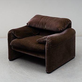 """VICO MAGISTRETTI, fåtölj, """"Maralunga"""" för Cassina, Italien, designad 1973."""