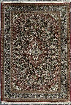 CARPET, old, Kashmir. Circa 307x215 cm.