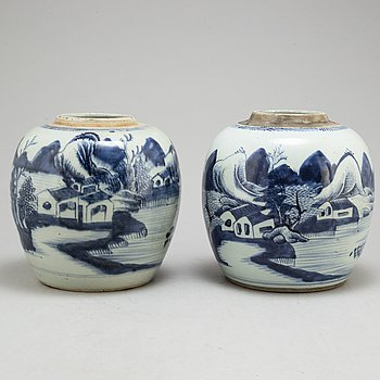 Two large blue and white jars, Qing dynasty, 19th century.