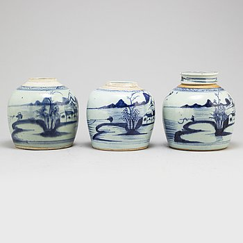 Three blue and white ginger jars, Qing dynasty, 19th century.