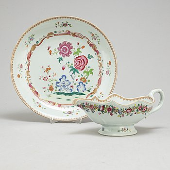 A famille rose saucer and dish, Qing dynasty, Qianlong (1736-95).
