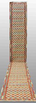 GALLERIMATTA, Kelim, ca 620 x 84 cm.
