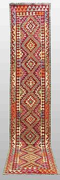 GALLERIMATTA, Kelim, ca 400 x 80 cm.