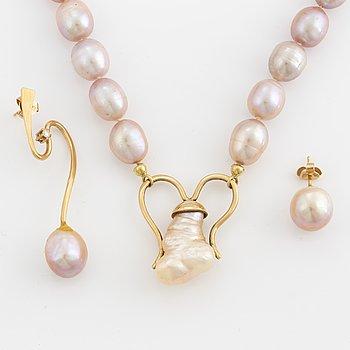 ELON ARENHILL, Collier samt örhängen 18K guld med odlade pärlor samt briljantslipad diamant.