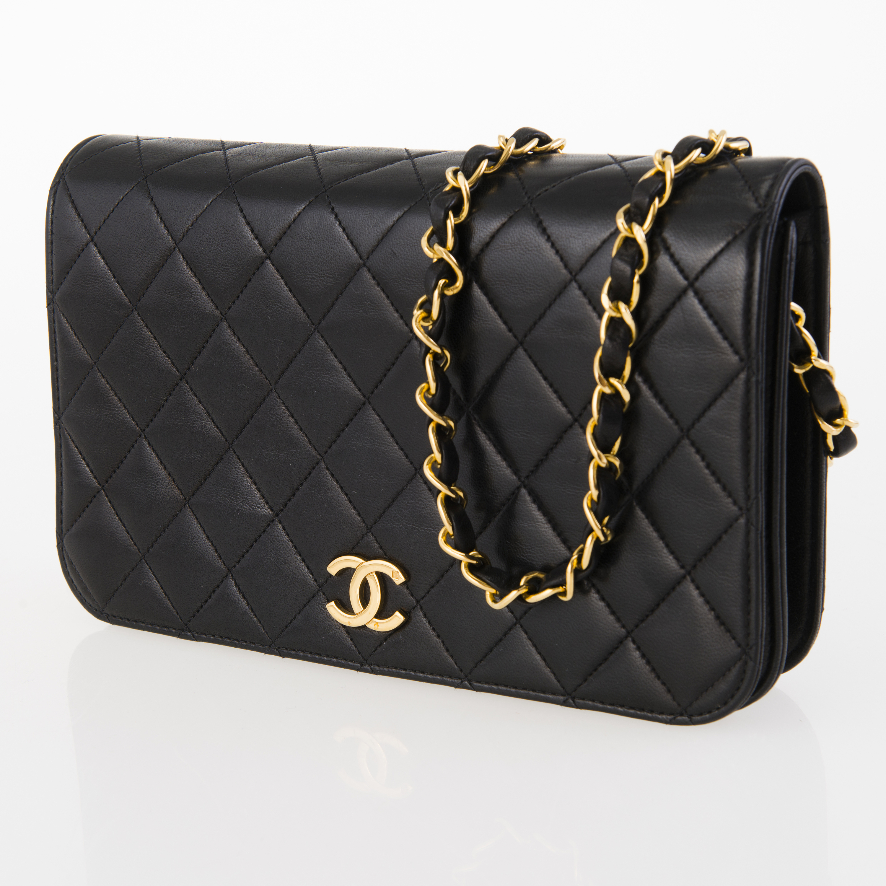 26369543bb94f8 CHANEL Small Single Full Flap Bag. - Bukowskis