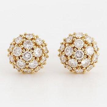18K gold and brilliant-cut diamond earrings, total ca 1,60 ct.