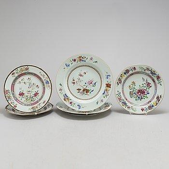 TALLRIKAR, tre stycken, samt FAT, ett par, kompaniporslin. Qingdynastin, Qianlong (1736-95).