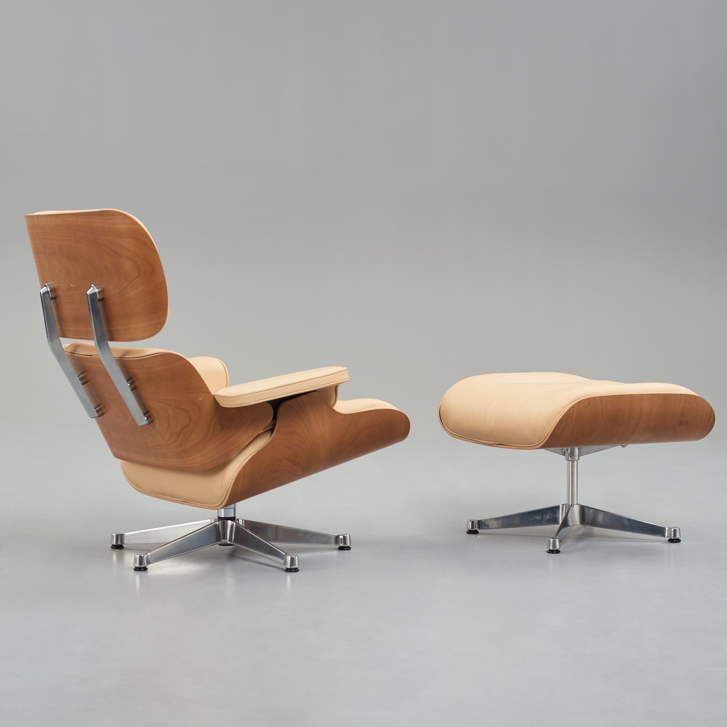 Miraculous Charles Ray Eames Lounge Chair With Ottoman For Vitra Short Links Chair Design For Home Short Linksinfo