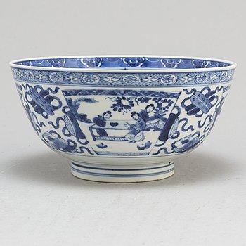 SKÅL, porslin. Qingdynastin, Kangxi (1662-1722).